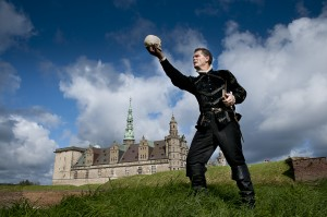 Christian Steffensen som Hamlet på Kronborg. Foto_Thomas Rahbek, Kronborg